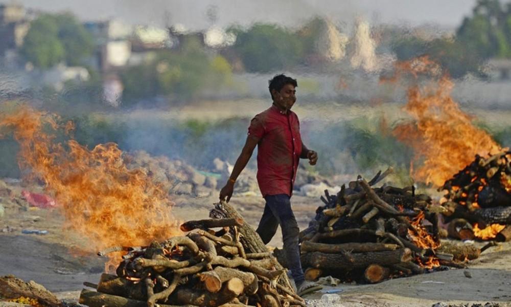 Hình ảnh tang thương tại Ấn Độ do Covid-19