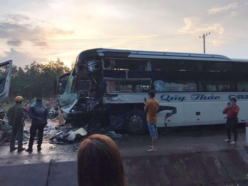 Vụ tai nạn khiến 2 tài xế thương vong