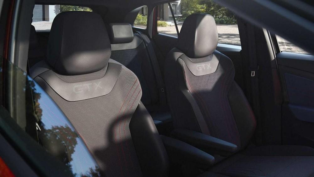 Bên trong Volkswagen ID.4 GTX 2021 là nội thất 5 chỗ