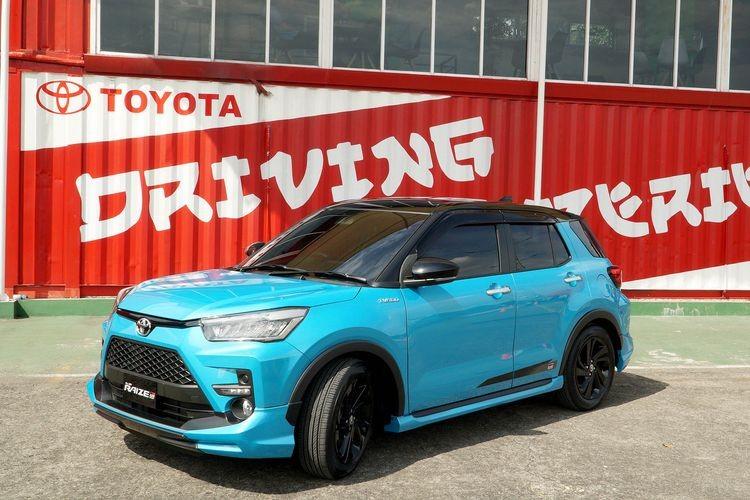 Toyota Raize 2021 phiên bản 2 màu với nóc màu đen