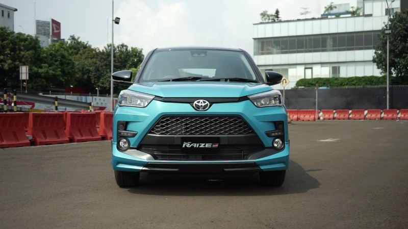 Cận cảnh thiết kế đầu xe của Toyota Raize 2021