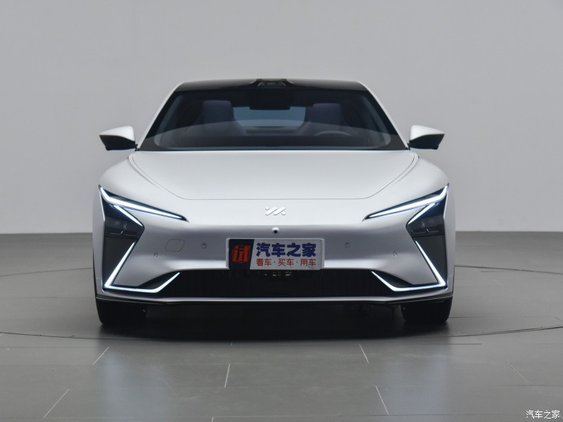 Thiết kế đầu xe của Zhiji L7