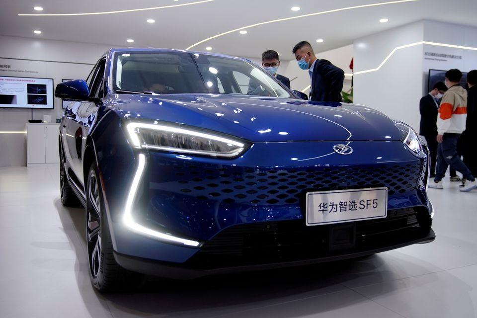 Mẫu ô tô điện Seres Huawei Smart Selection SF5
