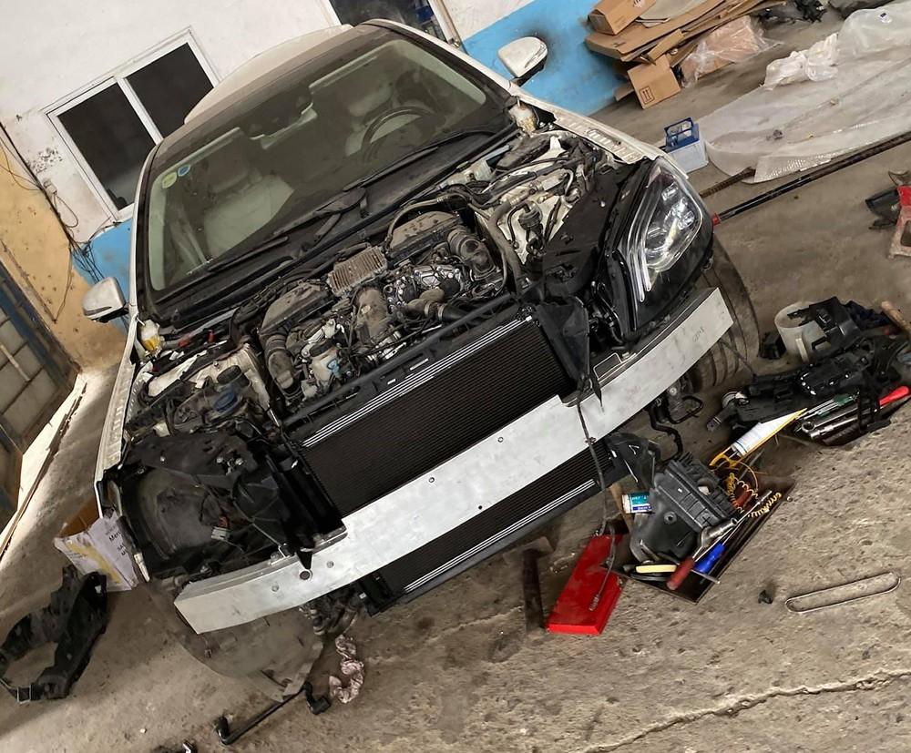 Tình trạng của xe đang trong quá trình sửa chữa