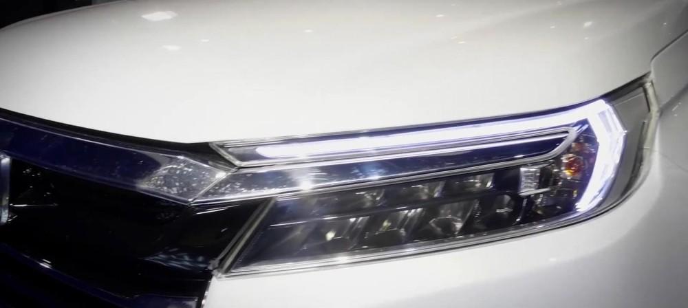 Cận cảnh cụm đèn pha của Honda N7X
