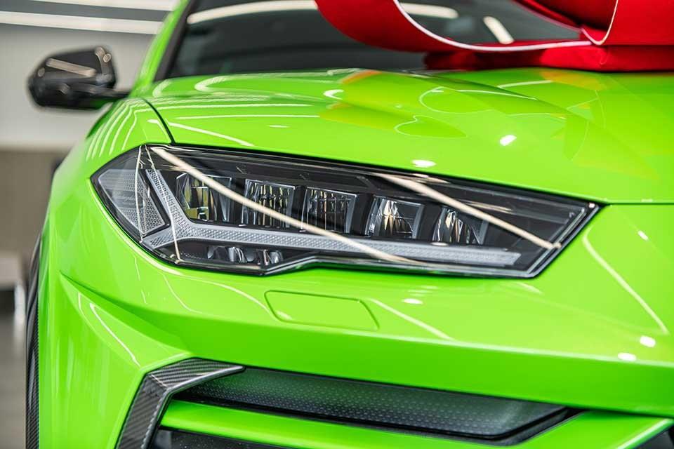 Điểm nhấn của Lamborghini Urus Pearl Capsul mới về Campuchia chính là màu xanh cốm Verde Mantis