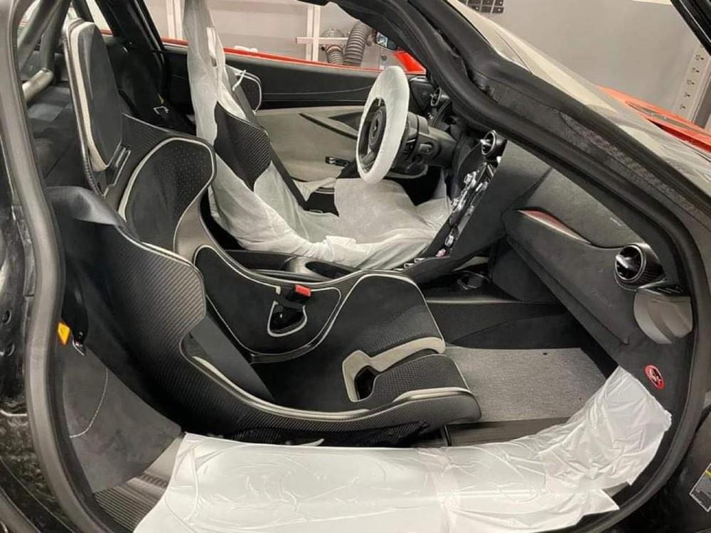 Nội thất chiếc siêu xe McLaren 765LT mới về nước
