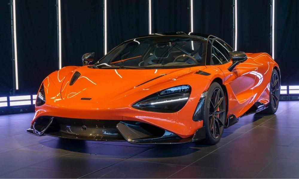 Chiếc siêu xe McLaren 765LT này có màu đỏ-cam