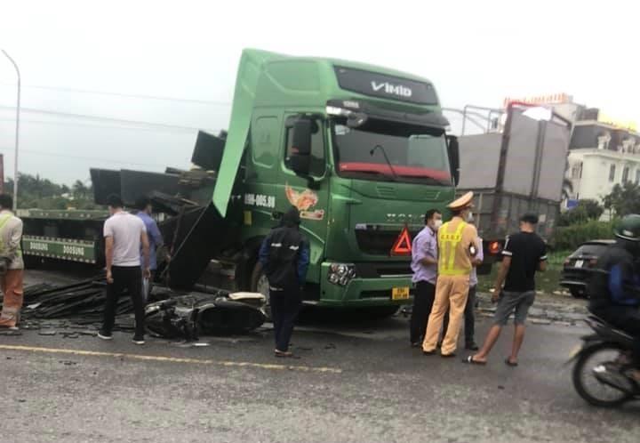 Rất may mắn vụ tai nạn không xảy ra thương vong về người