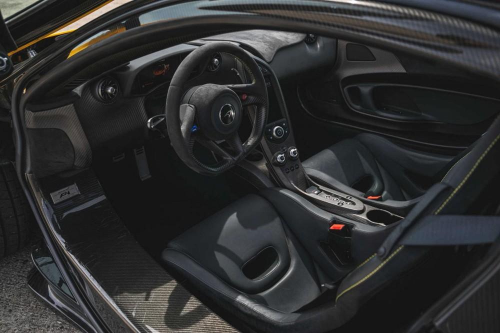 Nội thất siêu xe McLaren P1 được rao bán