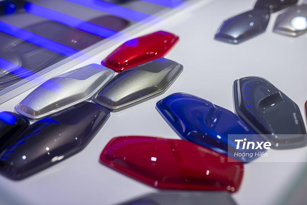 Khách hàng cũng có thể tuỳ chọn cá nhân hoá cho chiếc xe tương lai của mình tại Jaguar Land Rover Studio.