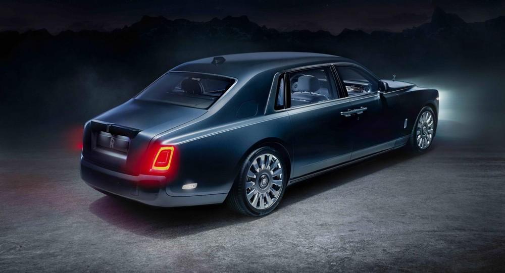 Rolls-Royce Phantom Tempus được sơn màu xanh đậm