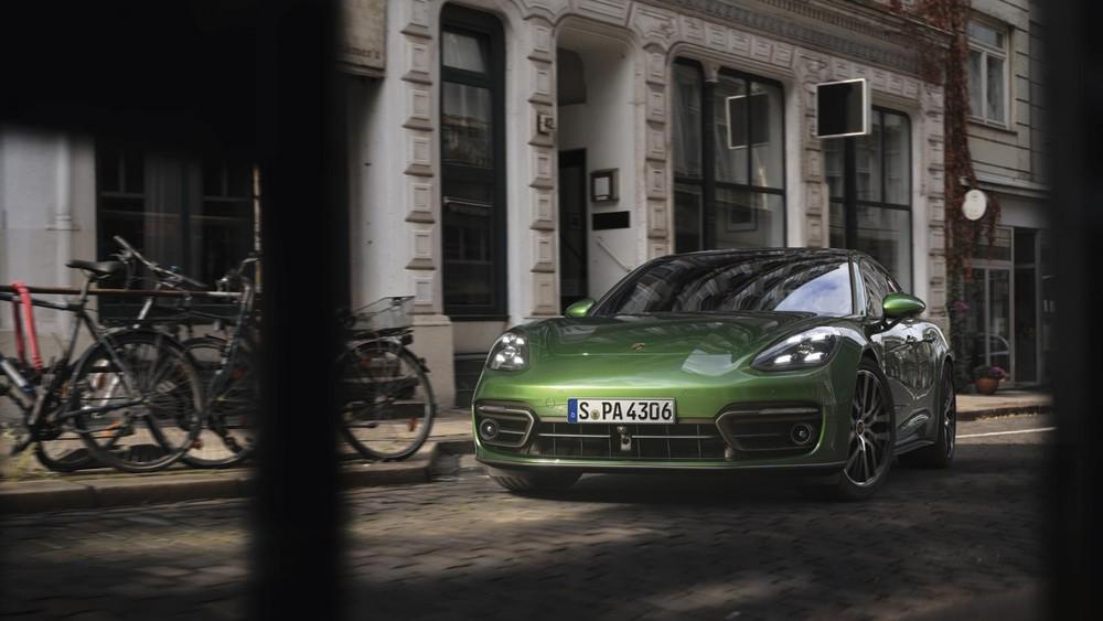 Giá xe Porsche Panamera