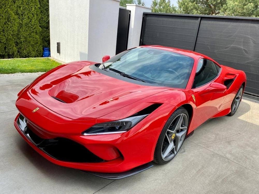 Các nhà giàu Việt đang đẩy nhanh tốc độ mua siêu xe Ferrari F8