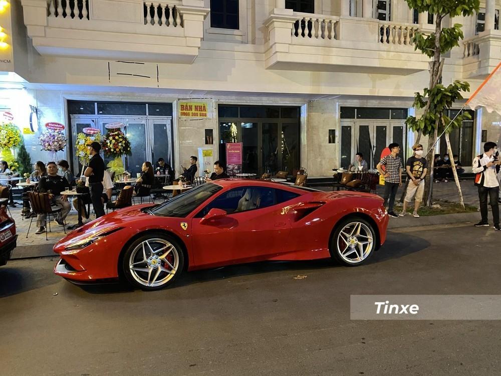 Chiếc siêu xe Ferrari F8 Tributo thứ 3 về nước của đại gia Vũng Tàu cũng mang màu đỏ truyền thống