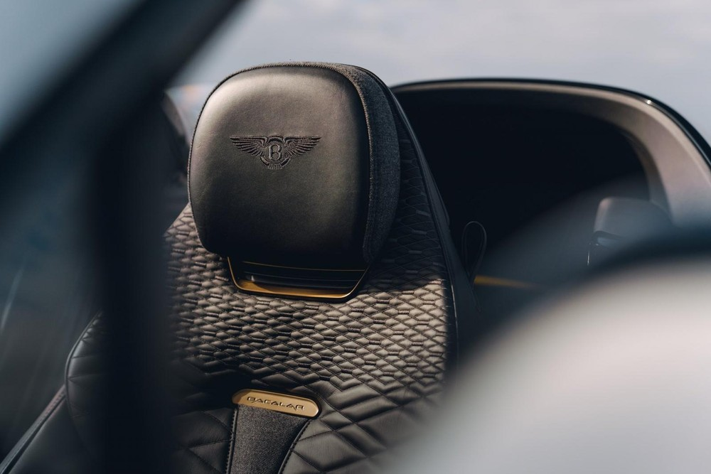 Ghế của Bentley Bacalar Roadster Special có dùng chất liệu len