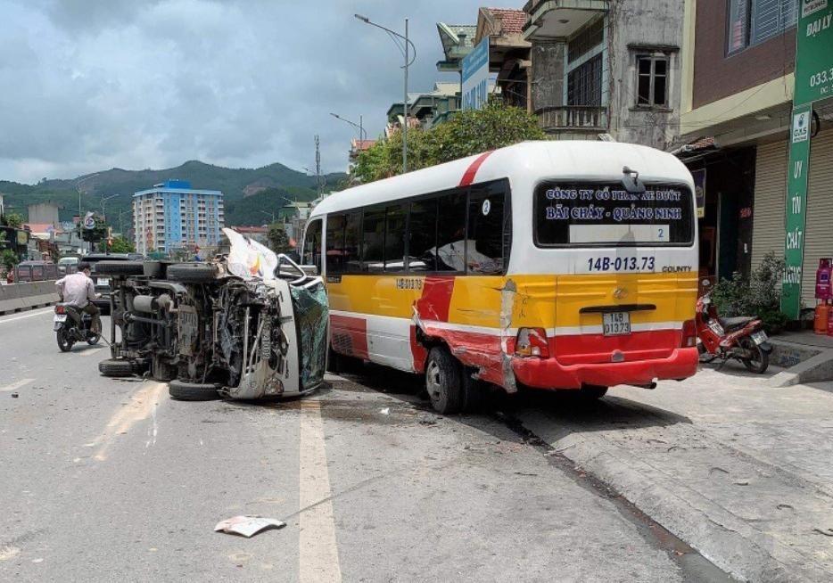 Vụ tai nạn khiến 2 phương tiện hư hỏng nặng nề