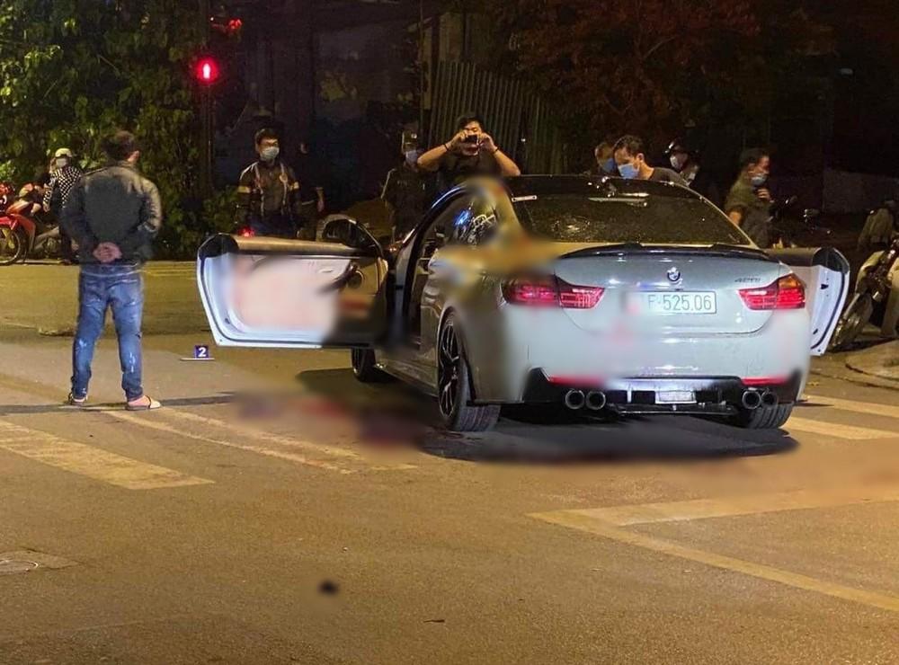 Chiếc xe BMW 428i tại hiện trường vụ tai nạn