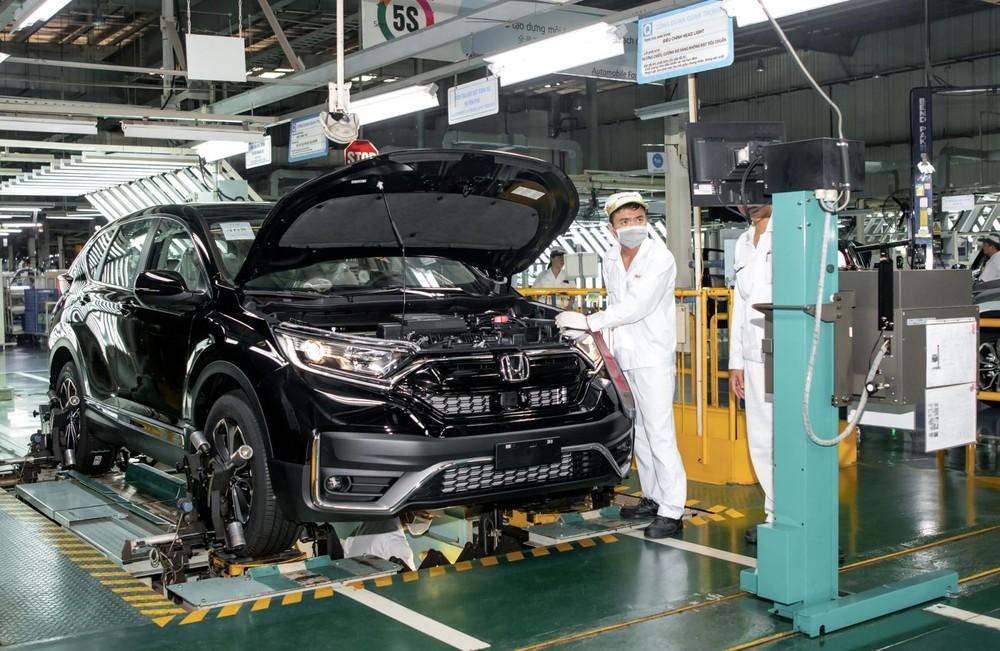 Chính sách giảm 50% lệ phí trước bạ cho ô tô sản xuất, lắp ráp trong nước từng giúp thị trường ô tô Việt Nam nở rộ trong nửa cuối năm 2020.