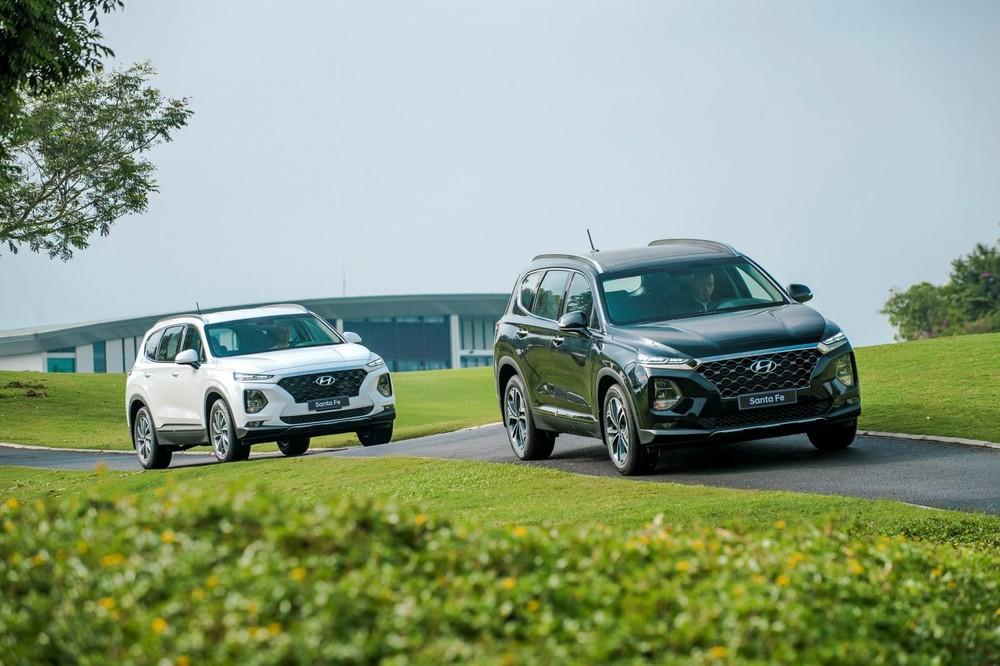 Hyundai Santa Fe đời cũ vẫn bán được hơn 850 xe trong tháng 4/2021 dù có thông tin bản mới sắp được ra mắt.