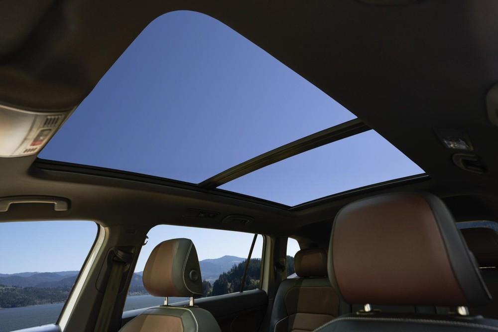 Cửa sổ trời của Volkswagen Tiguan Allspace 2021