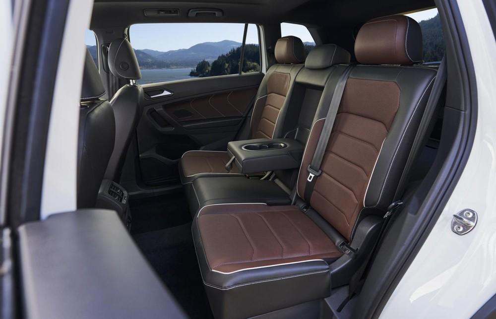 Hàng ghế sau của Volkswagen Tiguan Allspace 2021