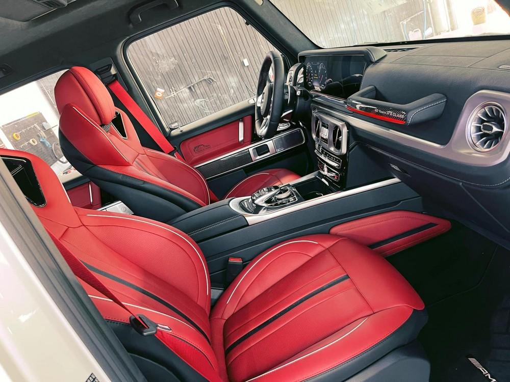 Khoang lái của SUV hạng sang Mercedes-AMG G63 bản 40th Years Of Legend đầu tiên lộ ảnh về Việt Nam
