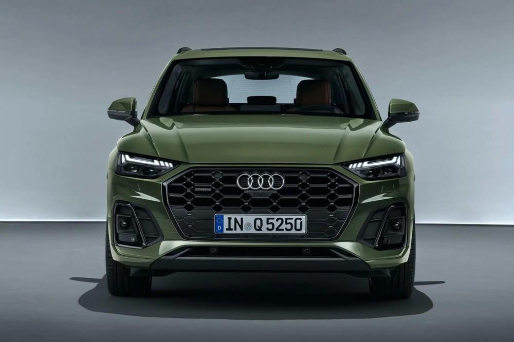 Phần đầu của Audi Q5 2021 lột xác hiện đại hơn nhiều so với trước đây.