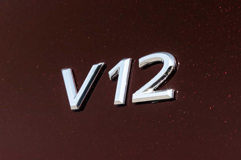 Mercedes-Maybach S680 2021 sẽ được trang bị động cơ xăng V12