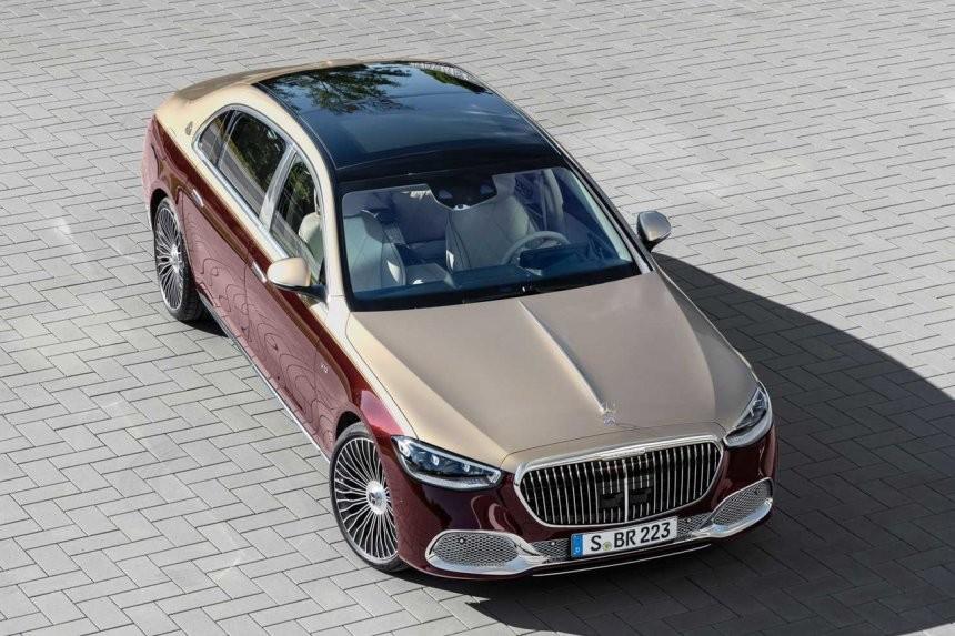 Mercedes-Maybach S680 2021 còn có cửa sổ trời toàn cảnh Panorama