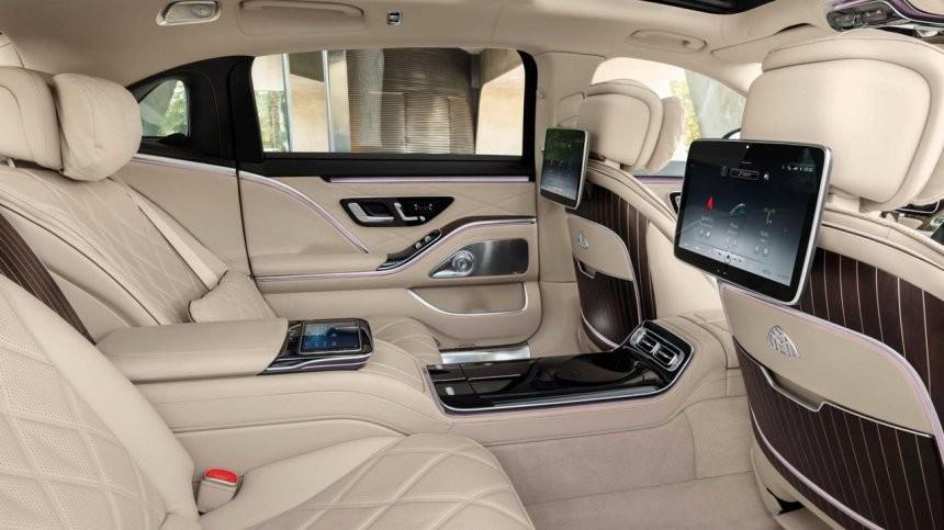 Hàng ghế sau của Mercedes-Maybach S680 2021