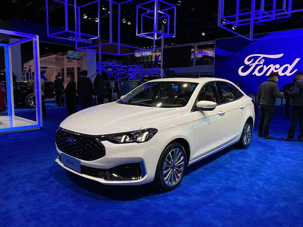 Ford Escort 2021 ra mắt tại Trung Quốc trong triển lãm Ô tô Thượng Hải năm nay