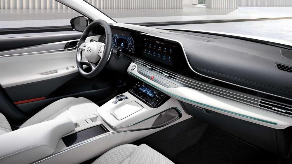 Nội thất màu be phối đen của Hyundai Grandeur Le Blanc 2021