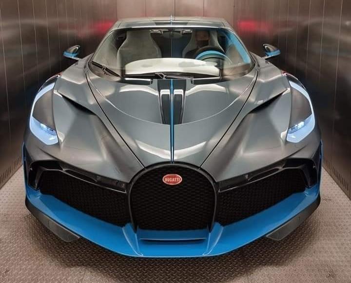 Những hình ảnh của Bugatti Divo mới đến Malaysia