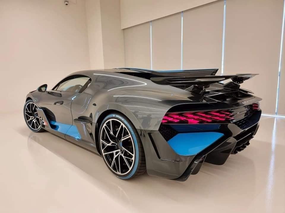 Chiếc siêu xe Bugatti Chiron này là hàng trưng bày