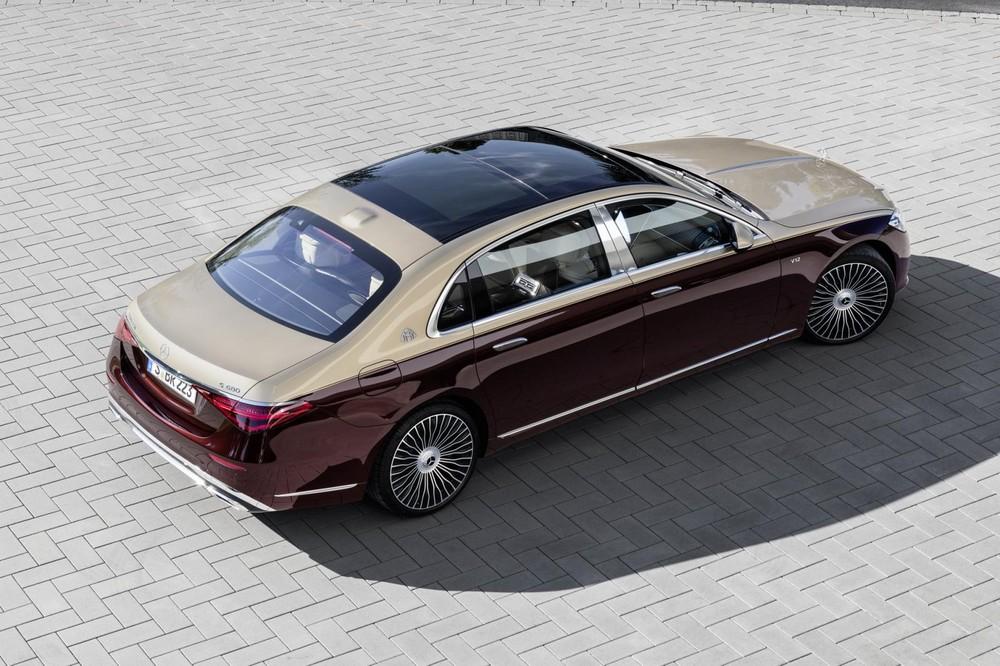 Mercedes-Maybach S680 2022 có hệ thống đánh lái cầu sau