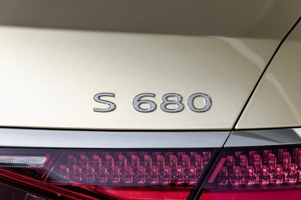 Mercedes-Maybach S680 2022 có hệ dẫn động 4 bánh toàn thời gian