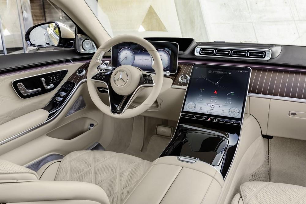 Nội thất bên trong Mercedes-Maybach S680 2022