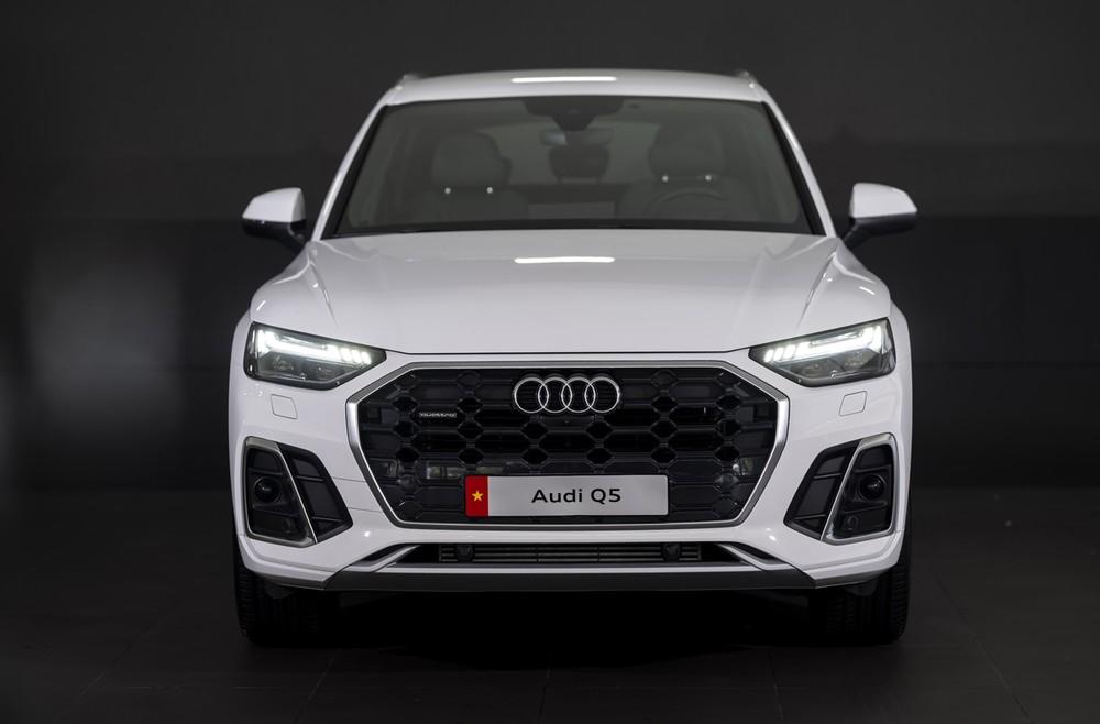Audi Q5 2021 mang dáng vẻ khoẻ khoắn và bắt mắt hơn.