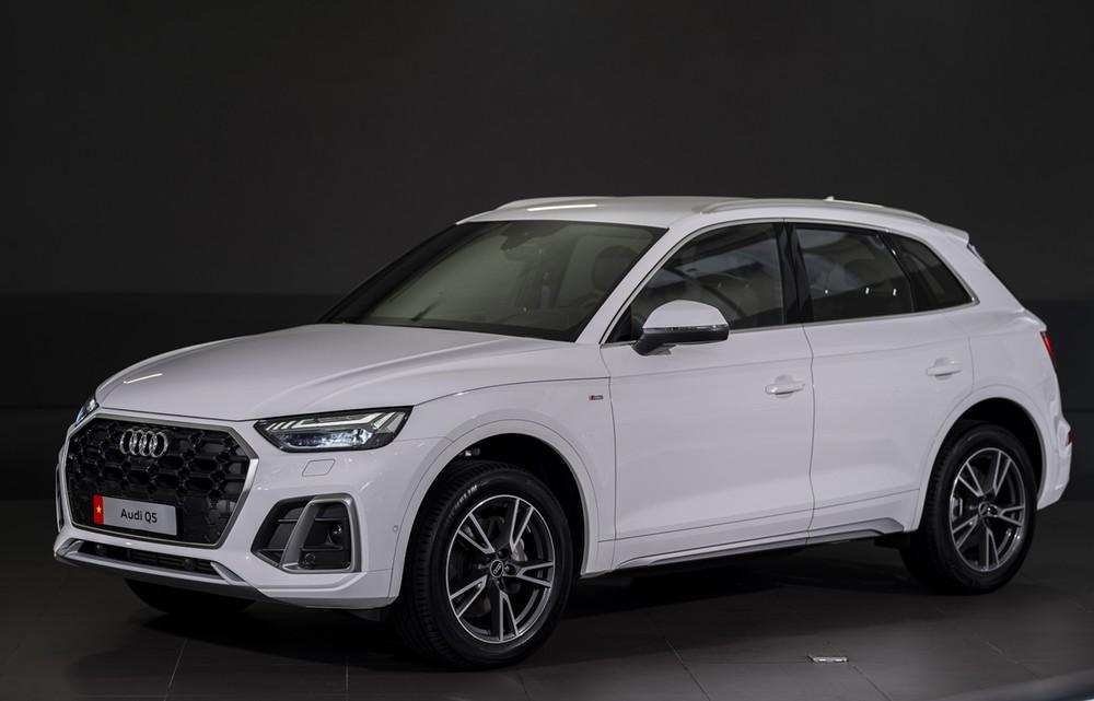 Audi Q5 2021 tạo ấn tượng thị giác tối với gói S Line.