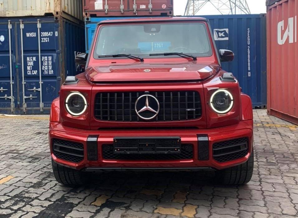 Mercedes-AMG G63 tiếp tục về nước nhưng sở hữu màu sơn đỏ cực hiếm từ trong ra ngoài gây thú vị với đại gia Việt
