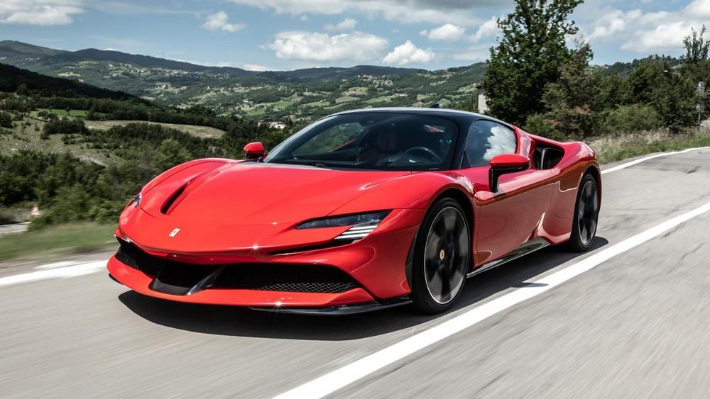 Vẻ đẹp của một chiếc siêu xe Ferrari SF90 Stradale
