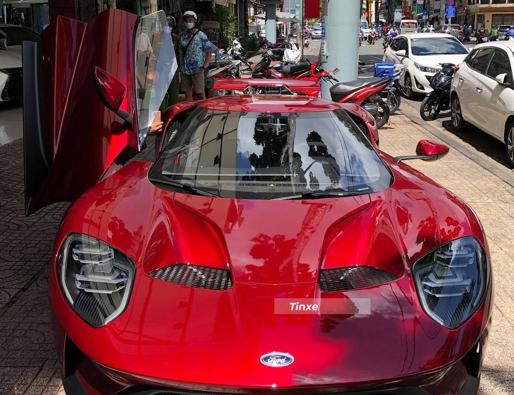 Giá xe Ford GT mới xuất xưởng khoảng 400.000 đô la