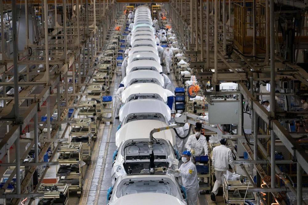 Nhà máy lắp ráp ô tô