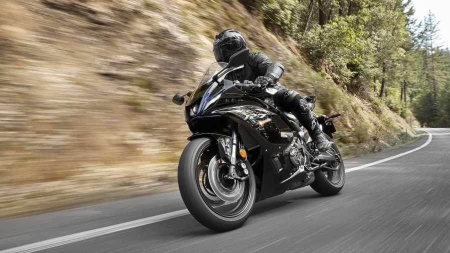 Yamaha R7 2021 chính thức ra mắt tại Châu Âu