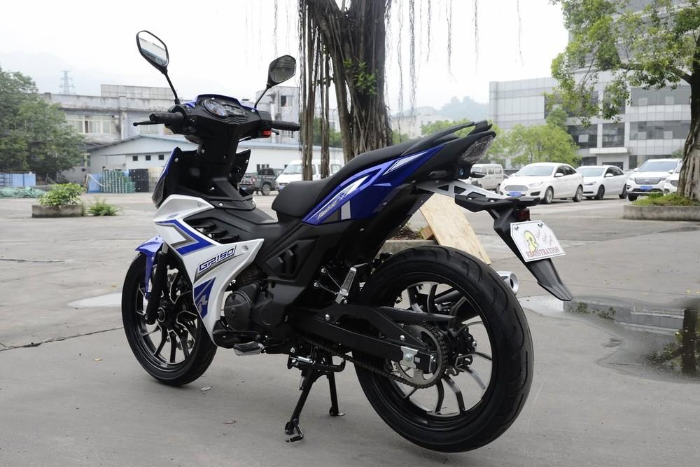 Xe mang thiết kế lai thô giữa Honda Winner và Yamaha Exciter