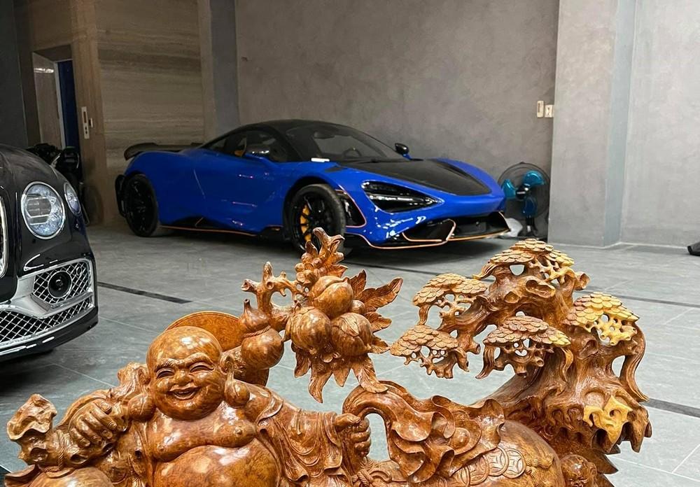 Hình ảnh hiếm hoi của siêu xe giới hạn McLaren 765LT đã về garage của người chơi lan đột biến ở huyện