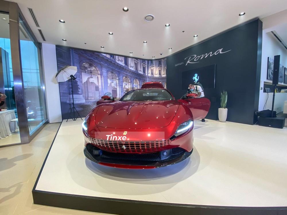 Chiếc siêu xe Ferrari Roma này có màu sơn Rosso California