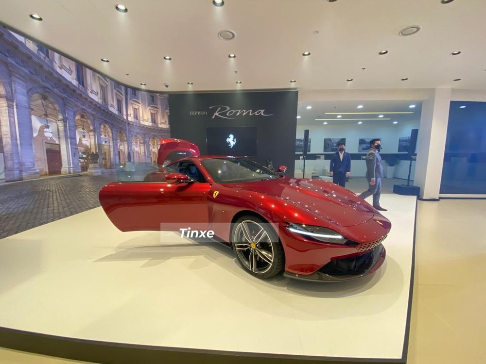 Chiếc siêu xe Ferrari Roma này được nhập khẩu theo diện tạm nhập tái xuất
