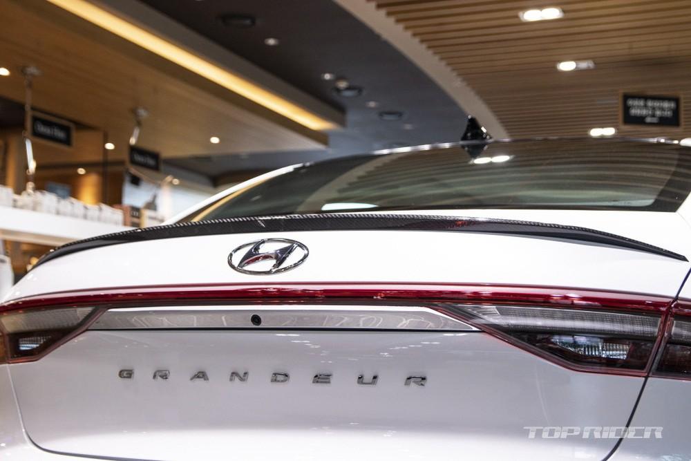 Hyundai Grandeur Le Blanc 2021 có 2 tùy chọn động cơ